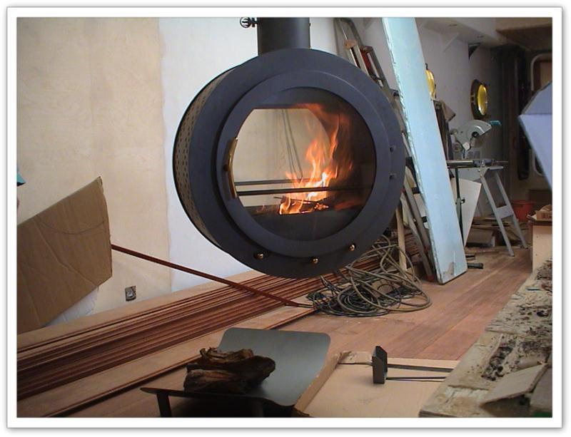 po le bois suspendu foyer suspendu po le bois suspendu. Black Bedroom Furniture Sets. Home Design Ideas